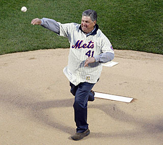 Mets Hall of Fame pitcher Tom Seaver throws out the ceremonial first pitch at Citi Field.