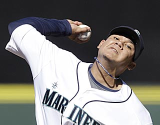 Given only one run of support, Felix Hernandez gives the Mariners an ace-worthy performance.  (AP)
