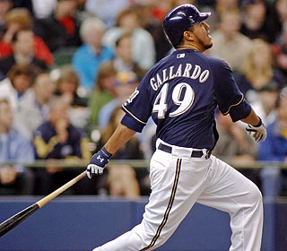 Yovani Gallardo wins after doing himself a favor by notching Milwaukee's only run with a solo shot.  (AP)