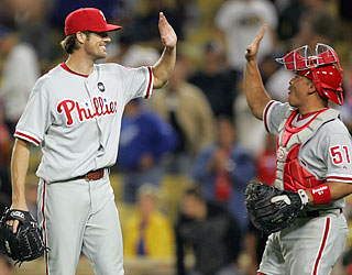 Just like he did twice in last year's NLCS, Cole Hamels proves too tough for the Dodgers.  (US Presswire)