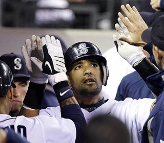 Franklin Gutierrez's teammates show appreciation for his HR which helps end the M's 10-game skid at N.Y. (AP)