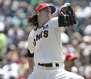 Tim Lincecum has gone 18 consecutive innings without allowing a baserunner past second.  (AP)