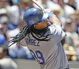 Manny Ramirez watches his 534th career HR sail out, tying him with Jimmie Foxx for 16th all-time.  (AP)
