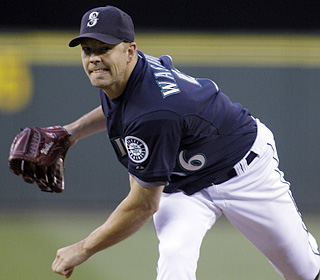 Jarrod Washburn throws just the 10th individual one-hitter in Mariners history.  (AP)