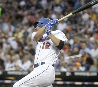 Jeff Francoeur is strong in his first game with the Mets. The ex-Brave drives in two runs to help New York.  (AP)