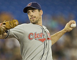 Cliff Lee goes the distance for the second consecutive start and for the third time this season.  (AP)