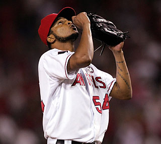 Ervin Santana rediscovers his form from last season in blanking the Rays on just 97 pitches. (US Presswire)