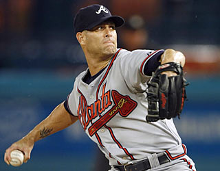 Tim Hudson (1-0) fares well in his first start in the majors since having elbow ligament replacement surgery.  (AP)