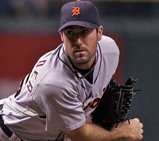 Justin Verlander notches his 16th win to tie for the AL lead with CC Sabathia.  (AP)