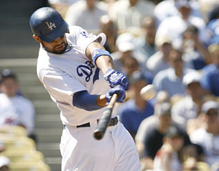 Matt Kemp's 24th home run of the season puts the Dodgers up for good in the sixth inning.  (AP)