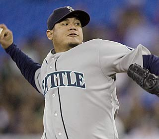 Mariners ace Felix Hernandez improves to 5-0 with a 1.57 ERA in his past six starts.  (AP)