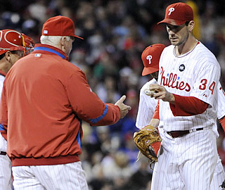 Cliff Lee is pulled in the sixth inning and falls to 2-4 with a 6.13 ERA in his last seven starts.  (US Presswire)