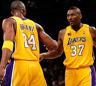 Ron Artest scores 10 points in his Lakers debut while Kobe starts the season scoring 33.  (Getty Images)