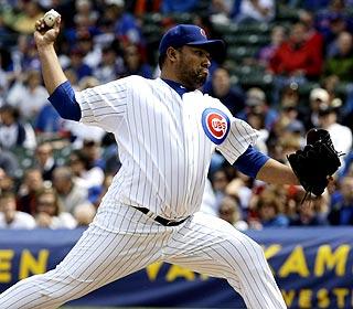 Carlos Silva doesn't allow an earned run or walk over seven innings in the Cubs win. (AP)