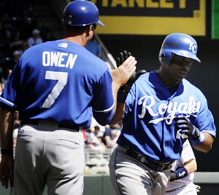 Kansas City's Alberto Callaspo makes a lot of noise Sunday with two homers and six RBI.  (AP)