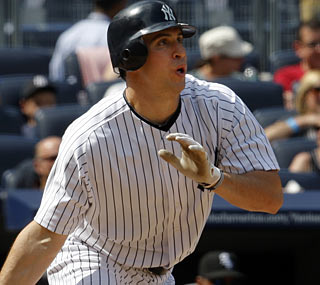 Mark Teixeira is starting to heat up again now that April is done as he knocks four hits on Sunday.  (AP)