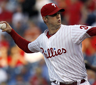 Philadelphia's Kyle Kendrick blanks the Cardinals over seven strong innings, allowing just six hits.  (AP)