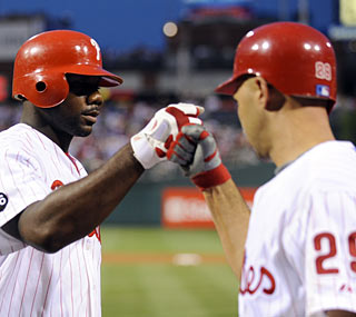 Ryan Howard puts the Phillies on the board with a fourth-inning solo shot.  (US Presswire)