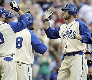 Corey Hart follows up his walk-off homer on Friday with blasts in his first two plate appearances. (AP)