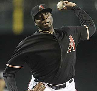 Dontrelle Willis comes out strong in his return to the NL, throwing six scoreless innings for Arizona. (AP)