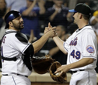 Jonathon Niese gets praise from Rod Barajas after tossing the Mets' first complete game of the season. (AP)