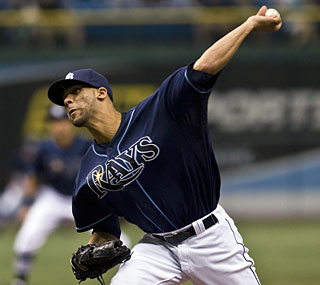 David Price earns his 11th win with a strong eight-inning performance against the Diamondbacks.  (AP)