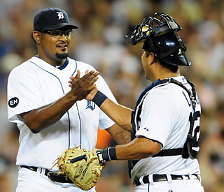 Jose Valverde closes out the game for Detroit while catcher Gerald Laird adds a two-run HR.  (US Presswire)