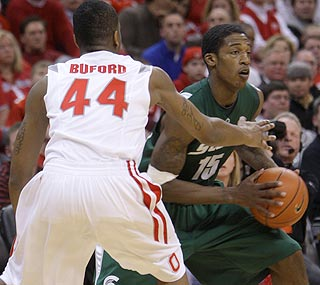 Durrell Summers averages eight points a game, but blows up with 26 against Ohio State.  (AP)