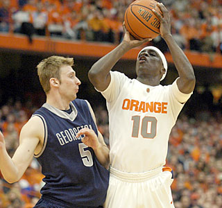 Syracuse's Jonny Flynn shrugs off the pressure to lead the Orange with 25 points.  (AP)