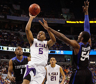 LSU's Marcus Thornton scores a game-high 21 points on 8-for-17 shooting from the field. (Getty Images)