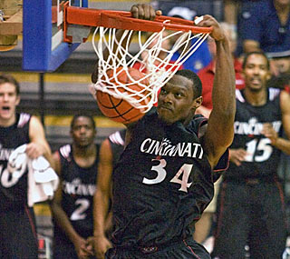 Yancy Gates scores 16 points, but contributes 12 during the Bearcats' decisive 18-2 first-half run. (AP)