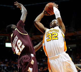Scotty Hopson carries a fatigued Tennessee team with 21 points against Charleston.  (US Presswire)
