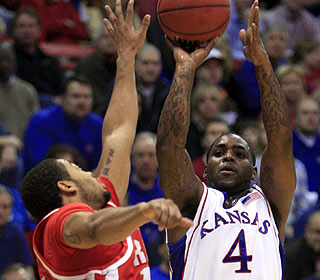 Sherron Collins and the No. 1 Jayhawks shoot 51 percent in Radford's first Allen Fieldhouse visit. (AP)