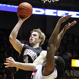 A.J. Ogilvy's clutch shooting down the stretch helps Vanderbilt hold off Ole Miss. (AP)