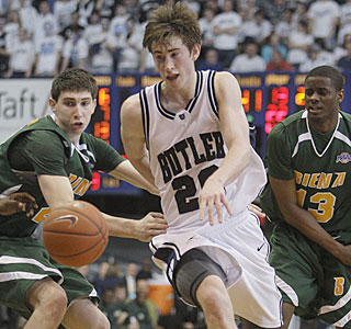 Gordon Hayward (15 points, 12 rebounds) pushes the ball up the floor against Siena.  (AP)