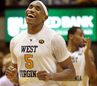 Kevin Jones comes up big in the second half, scoring 10 points to help the Mountaineers rally.  (AP)
