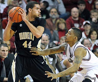 Jeffery Taylor scores a team-high 18 points as Vanderbilt nabs a rare victory in Fayetteville. (AP)