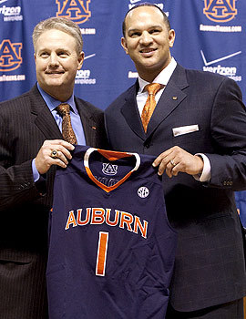 Auburn AD Jay Jacobs didn't tarry in hiring Tony Barbee as coach. (AP)