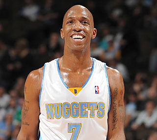 Chauncey Billups gets the last laugh by hitting two free throws to help the Nuggets prevail. (Getty Images)