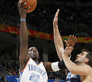 Jeff Green (23 points) helps the Thunder notch their fourth win in the past eight games.  (Getty Images)
