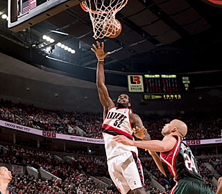 Greg Oden racks up his team-high 12th double-double with 24 points and 15 boards.  (Getty Images)