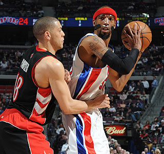 After starting 611 games for Detroit, Richard Hamilton scores seven points off the bench. (Getty Images)