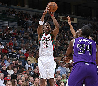 Michael Redd pours in 14 points before suffering a knee injury in the third quarter.  (Getty Images)