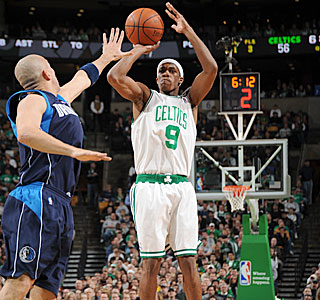 Rajon Rondo does it all in the blowout, getting 13 points, 14 assists and seven boards.  (Getty Images)
