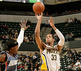 Danny Granger picks apart the Bobcats with jumpers and drives during his 27-point game.  (Getty Images)