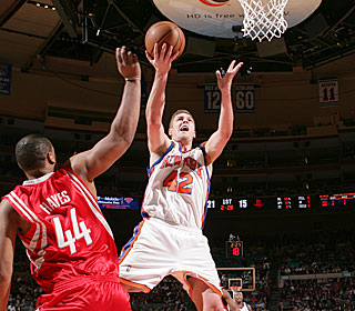 David Lee racks up another double-double, netting 17 points and 13 rebounds.  (Getty Images)