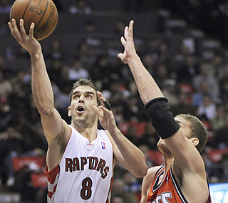 Jose Calderon (17 points, 11 assists) provides a lift for the Raptors in his return to the lineup.  (AP)