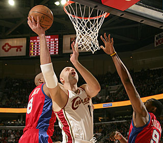 Zydrunas Ilgauskas is moving around well in his first game back from a broken ankle.  (Getty Images)
