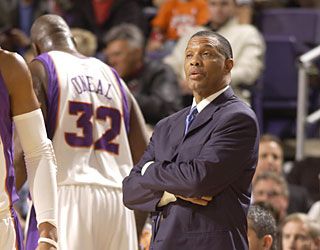 To call Alvin Gentry's debut as the Suns' interim coach a success would be an understatement.  (Getty Images)