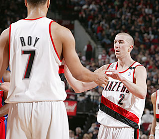 Steve Blake is in the middle of everything for the Blazers on Sunday, getting 17 assists.  (Getty Images)